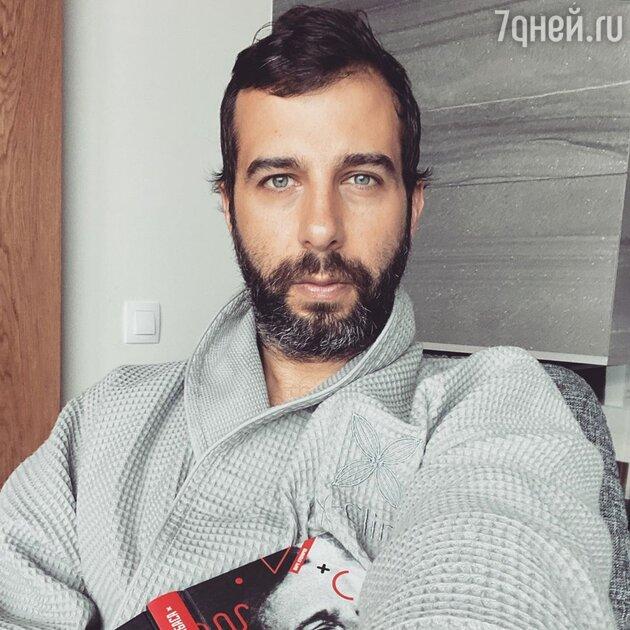 «Неужели болен?»: снимок Ивана Урганта из клиники напугал фанатов