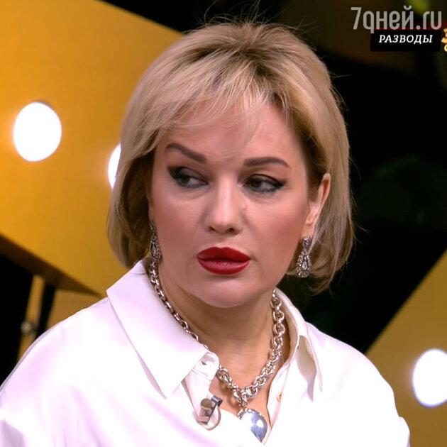 «Ещё одна себя переделала»: фанатов потряс вид Булановой без фотошопа