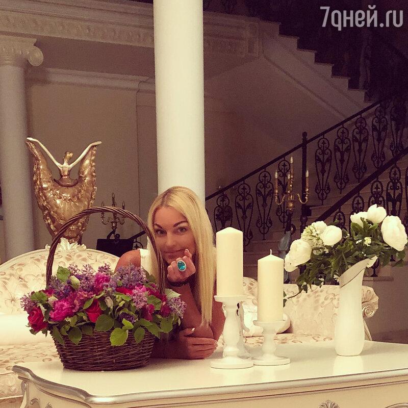 Волочкова бросила программиста Логинова и проинформировала о новом романе