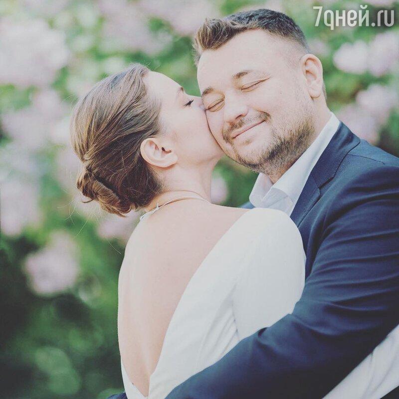 «Пока небеременна» супруга Сергея Жукова прокомментировала слухи