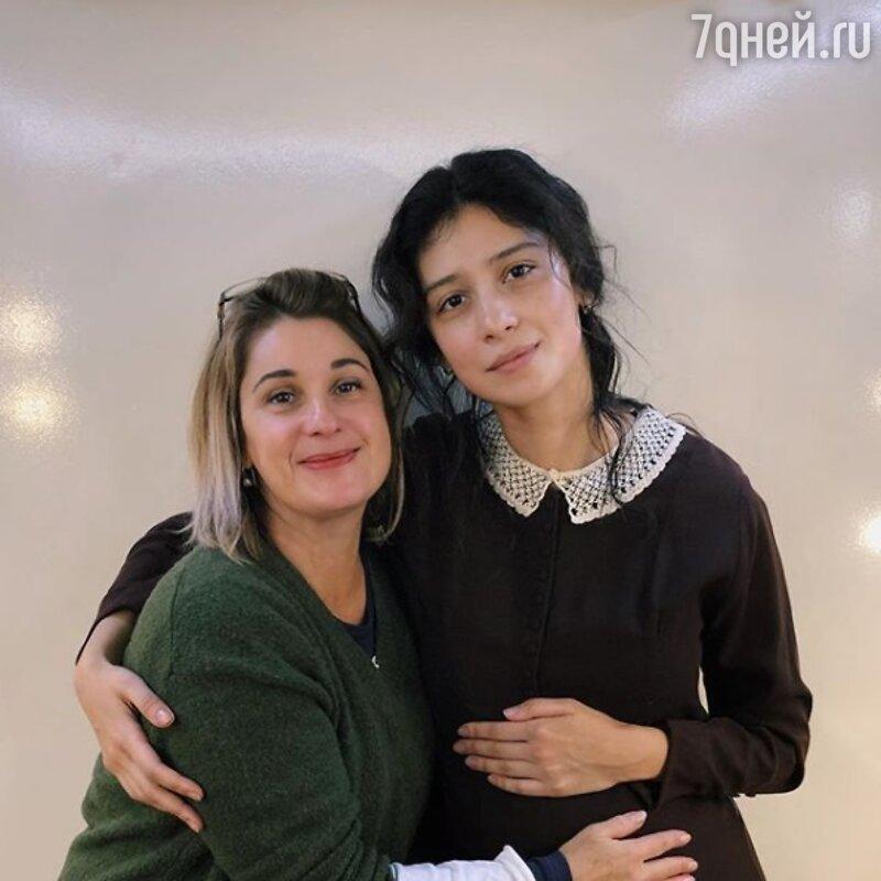 Равшана Куркова обрадовала фанатов «беременным» фото