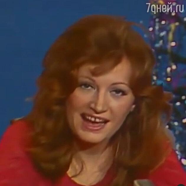 Ноль пластики и кривые зубы: как выглядела Пугачева, когда Галкину было два года