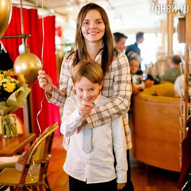 «Шкодный парень!» Боярская показала, каким растёт её 8-летний сын