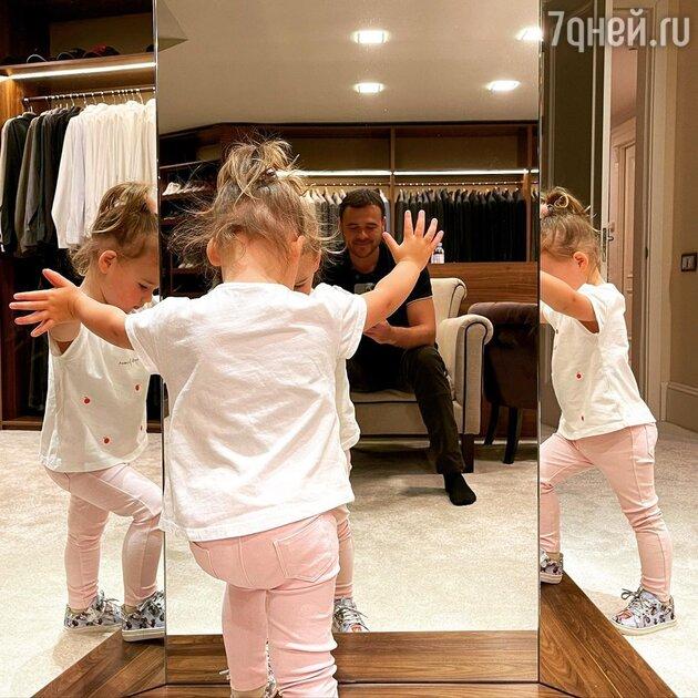 «Мы вместе!» Эмин Агаларов показал всех своих детей в одном видео
