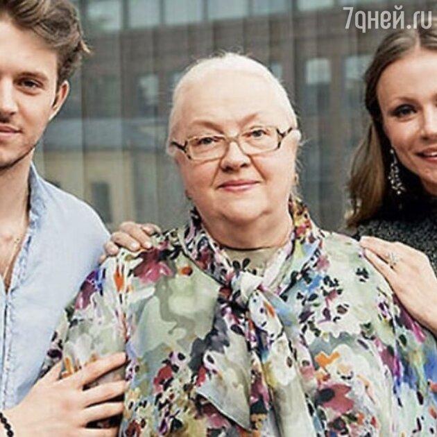 После тайных похорон матери: Миронова публично обратилась к Малахову