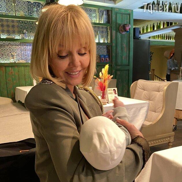 «Похожа на меня!» Валерия раскрыла внешность новорожденной внучки