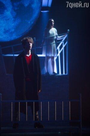 «Весь в отца!» Сын Валерия Золотухина покорил гостей театральной премьеры