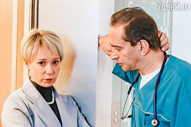«Эффектная блондинка»: изменившаяся жена Урганта стала копией Чулпан Хаматовой