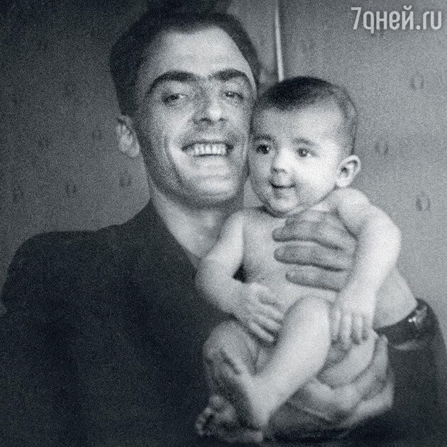 Михаил Боярский  отцом Сергеем Боярским. 1950 г.