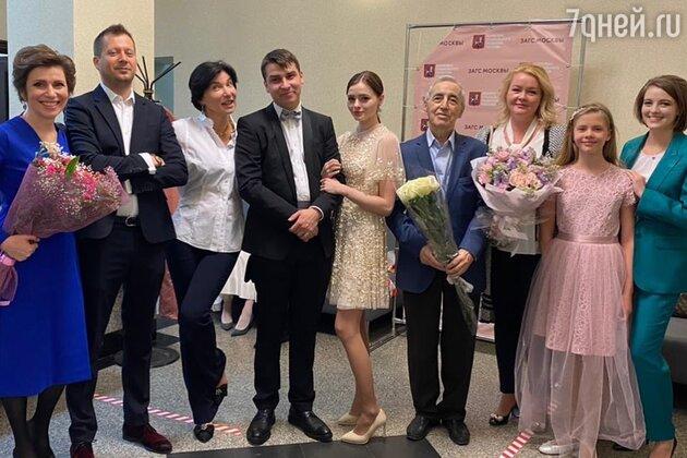 «Счастья молодым!» Ирада Зейналова показала фото со свадьбы