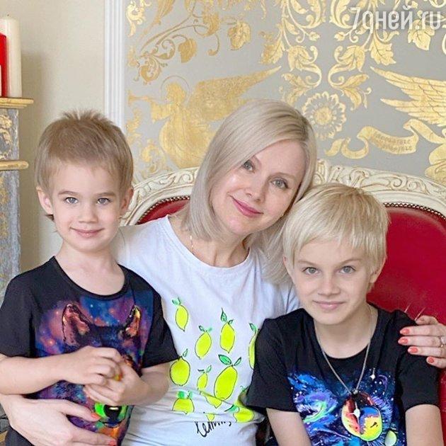«Клонирование в действии»: Натали показала своих сыновей