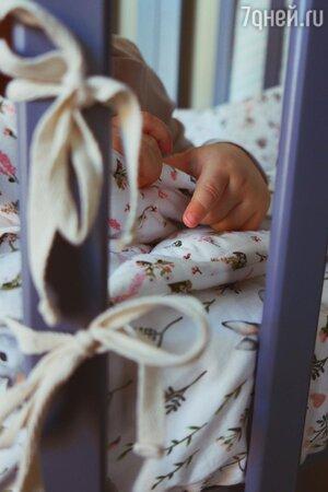 Уже родила? Жена Петросяна показала малыша в кроватке после слухов о второй беременности