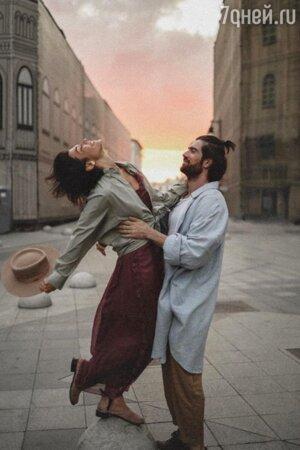 «Она сказала да!» Две звезды шоу «Орел и Решка» готовятся к свадьбе