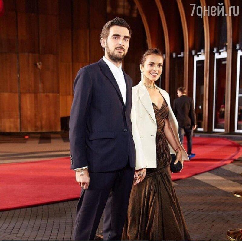 Сати Казанова официально вышла замуж заитальянца