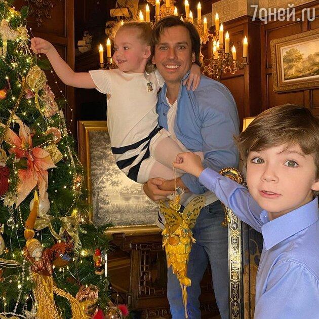 «Это очень важно для детей»: названы имена тайных членов семьи Пугачевой