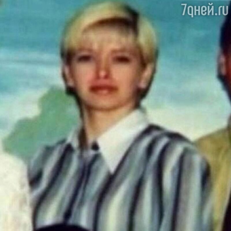 Не схожа несебя: Вера Брежнева показала, как выглядела вшколе