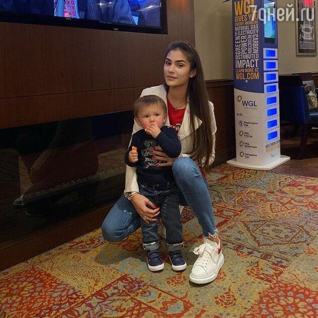 Анастасия Овечкина с сыном