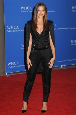 Ирина Шейк на ужине White House Correspondents' Association Dinner