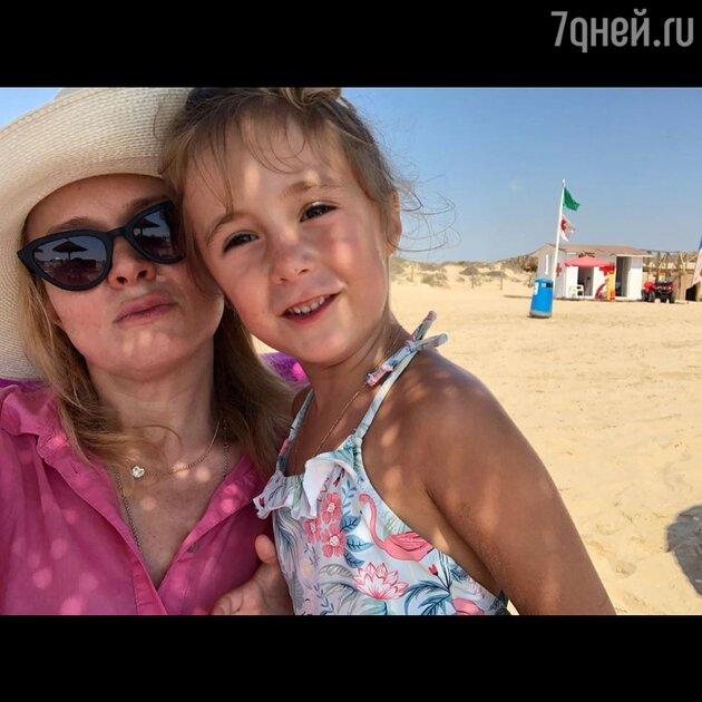 Анна Михалкова отметила 7-летие дочери