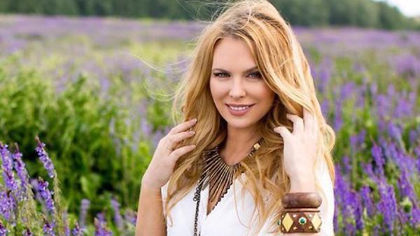 Певица Варвара отметила день рождения в старинном замке