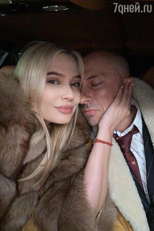«Повезло Диме» Нагиева и Рудову засняли милующимися в машине