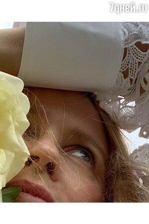 Кайли Миноуг спровоцировала слухи о том, что она тайно вышла замуж