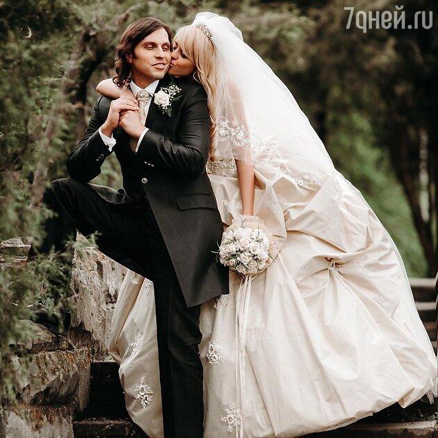 «Не хотела играть свадьбу»: жена Реввы сделала признание о своем замужестве