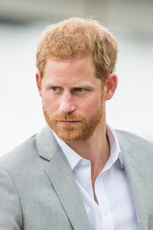 Принц Гарри стал похож на собственную тень