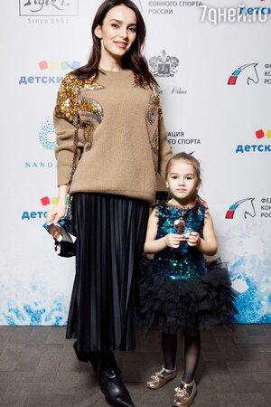 Опасно для мам с детьми: Юлия Зимина рассказала про мошенников на улицах Москвы