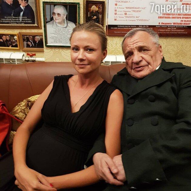 «Люблю, плачу»: Миронова переживает ещё одну тяжелую утрату