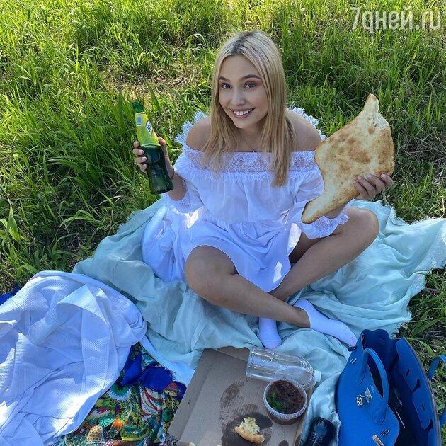 Агент Натальи Рудовой дал комментарий о беременности актрисы
