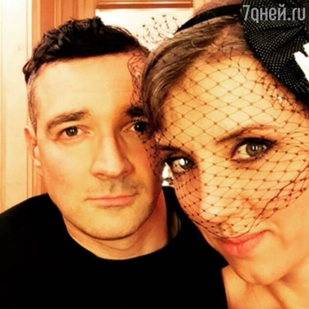 «Мы бы давно расстались»: как Алферова избежала развода с Бероевым