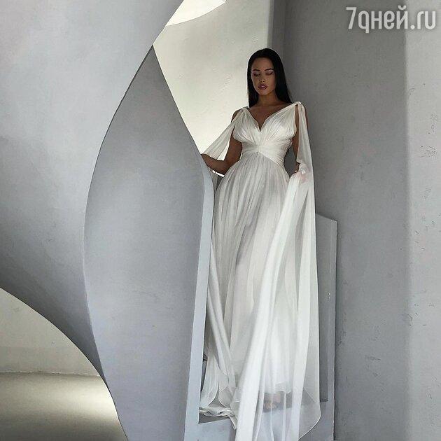 «Победительница «Холостяка»: Решетова поразила красотой в платье невесты