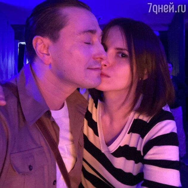 «Совсем девочка»: Безруков удивил нежным снимком со своей любимой