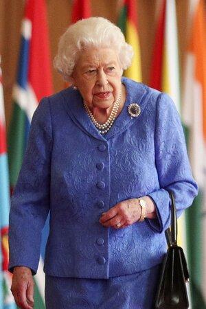 Королева начала расследование обвинений Меган Маркл