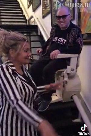 «Как не стыдно?» Немощного Зайцева сняли в инвалидном кресле на потеху публике