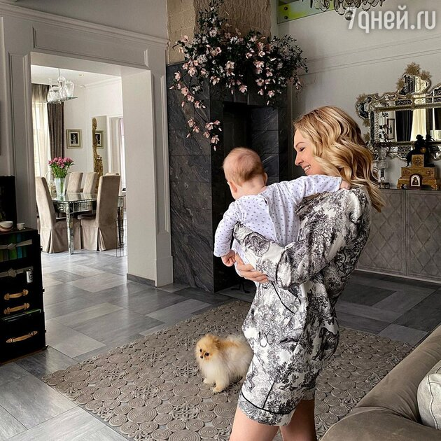 «Богатырь растёт»: размер младшего сына Рудковской удивил фанатов