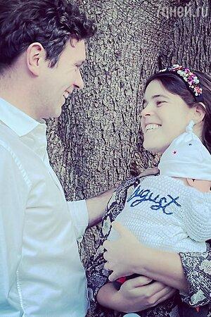 Как мило! Принцесса Евгения опубликовала трогательное фото маленького сына