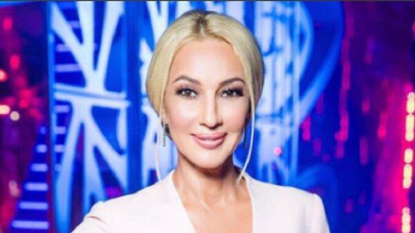 Лера Кудрявцева поздравила мужа с 30-летием страстным поцелуем