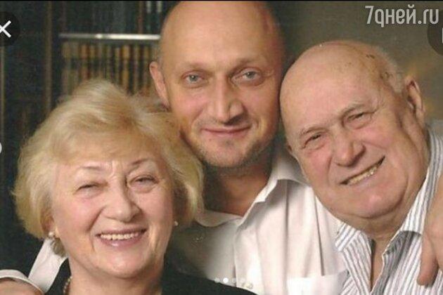 «Ушел от ковида у меня на руках»: Гоша Куценко про трагедию в семье