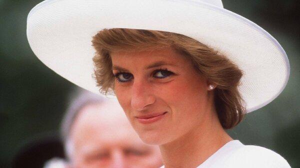 Скандальные откровения принцессы Дианы помешают Чарльзу стать королем