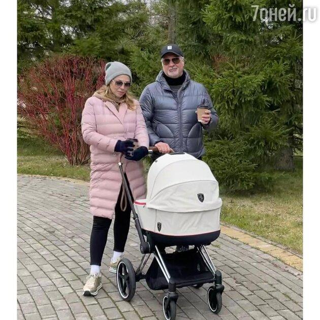 «Какая вы красивая»: Джанабаева показала, как выглядит после родов