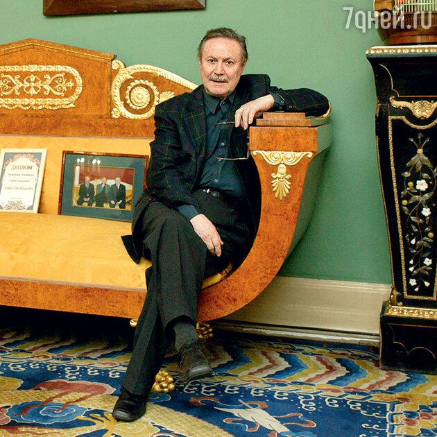 Появилась новая информация о госпитализированном с ковидом Юрии Соломине