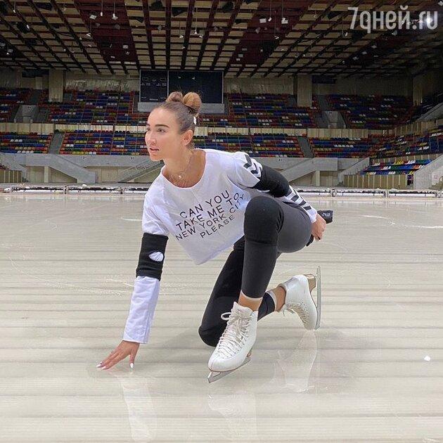 Ольга Бузова получила травму на «Ледниковом периоде»