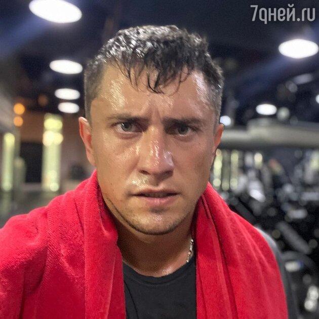 «Помогает мне по хозяйству»: Прилучный поставил Карпович в унизительное положение