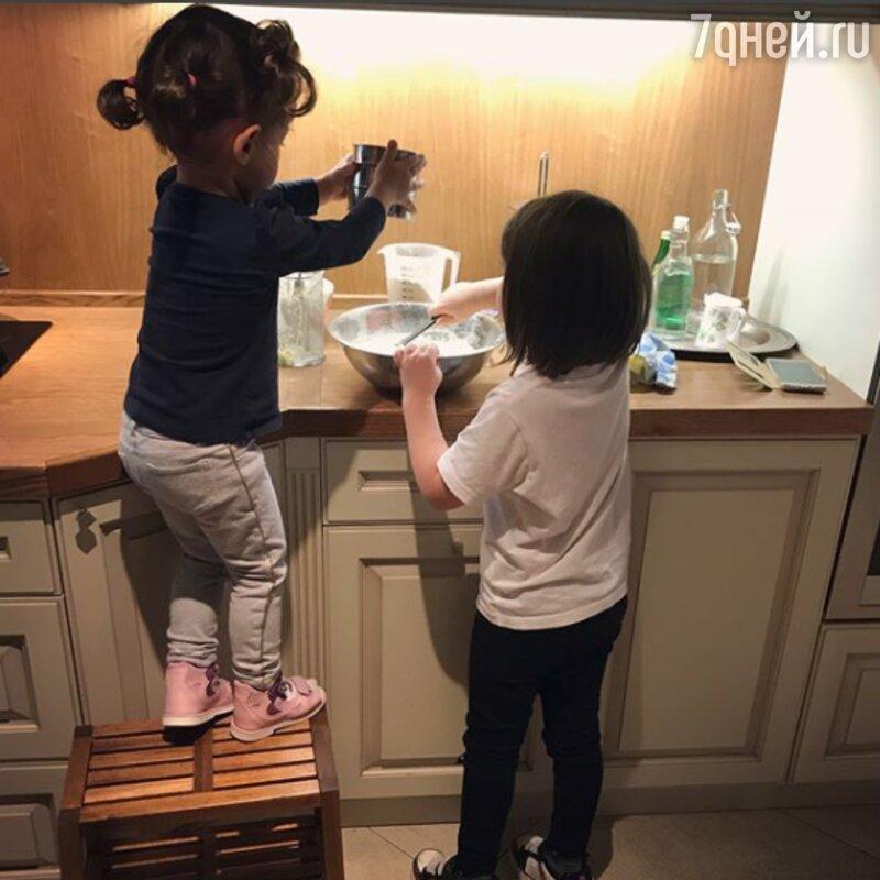 Вячеслав Манучаров забрал ксебе семилетнюю дочь погибшей супруги — сейчас многодетный отец