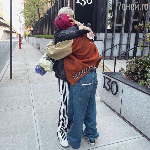 Долгожданная встреча: дочь Урганта воссоединилась с родными после долгой разлуки