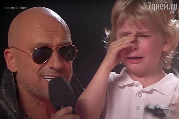 Рызрыдавшийся на сцене малыш из шоу «Голос. Дети» возмутил зрителей
