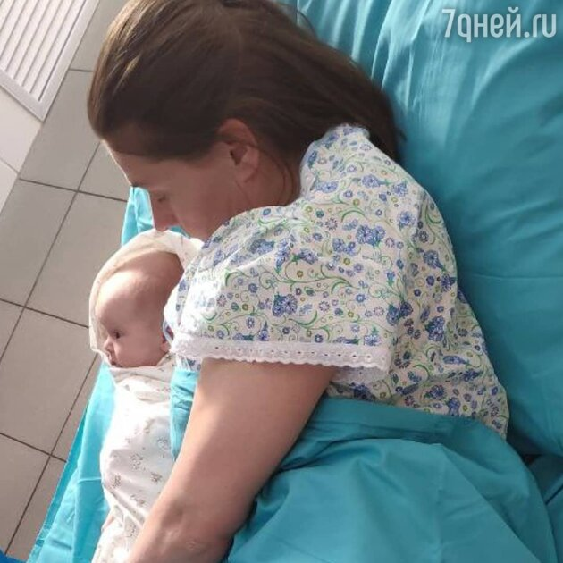 «Родила!» Голубкина с младенцем на руках ошеломила фанатов