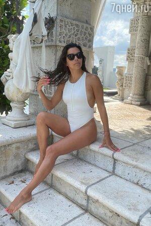 46-летняя Ева Лонгория показала идеальную фигуру